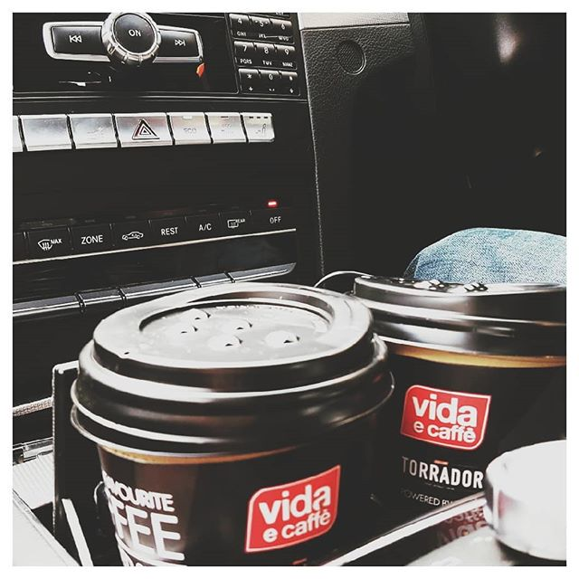 I have been a loyal customer for 10 years and @vidaecaffe_official has never disappointed me once. Never ever! The chocolate quente is my favourite. and its the best hot chocolate in KZN - made with real @lindtsa chocolate. I grab and go usually but the baristas make for great entertainment in store and are amazing.The energy, the love...This is a real all round sensory experience. Thank you @vidaecaffe #lindt #chocolatequente #hotchocolate #coffee #caffeine #coffeefix #latte #blogger #sablogger #southafricanblogger #southafrica #coffeshops