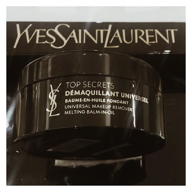 I am officially over micellar water! My addiction has begun with the @ysl top secrets universal balm in make up cleanser - its my 3rd repurchase. The love is so real guys!This soothing shea butter balm gently melts into a luxurious oil cleanser that attracts make up like a magnet. I use circular movements to cleanse, I add warm water to emulsify then wipe my face with a soft towel. Make up removed - skin cleansed and toned. This product leaves my skin super glowy and beautifully hydrated. I love it! $50 gets you 125ml