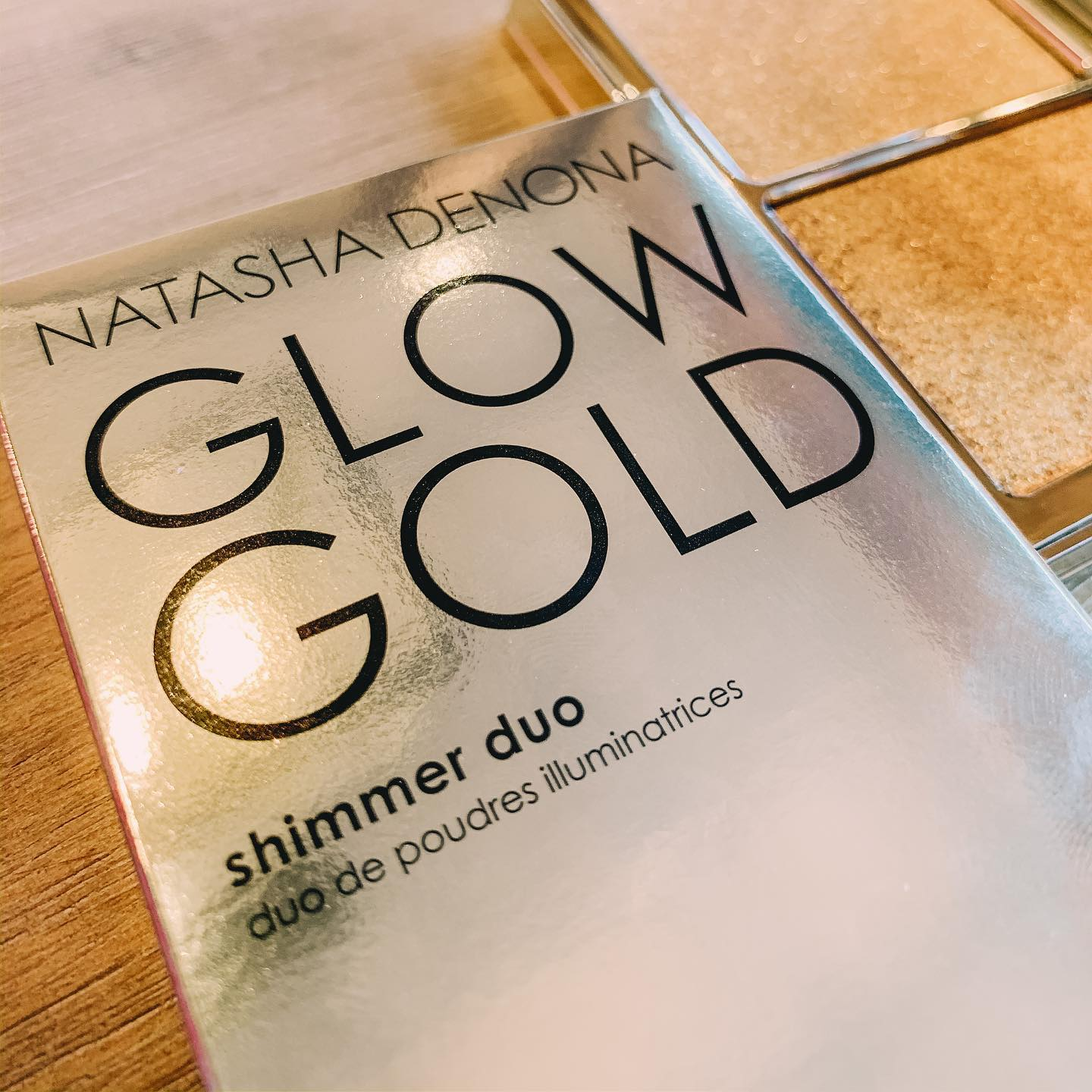 If you are travelling and come across @natashadenona products, I strongly suggest you try the shimmer duo - it's my absolute favorite (next to Becca) and I think you will appreciate everything about this product if you are a make up junkie. It comes beautifully packaged - (the best I have seen and felt for a highlighter and illuminator), it's long lasting and looks very attractive on Indian skin tones. You will just have to remember to go easy on it  you might want to use quite a lot because it's so damn pretty!